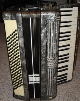 Hohner Accordion from Dave Edwards