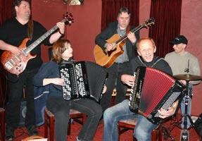 Sigmund's Orchestra' with Sigmund Saeter, Wenche Eikeland, Paal Steinar Flakne, Olav Hunnes, Kaj Endresen and Elin Saeter